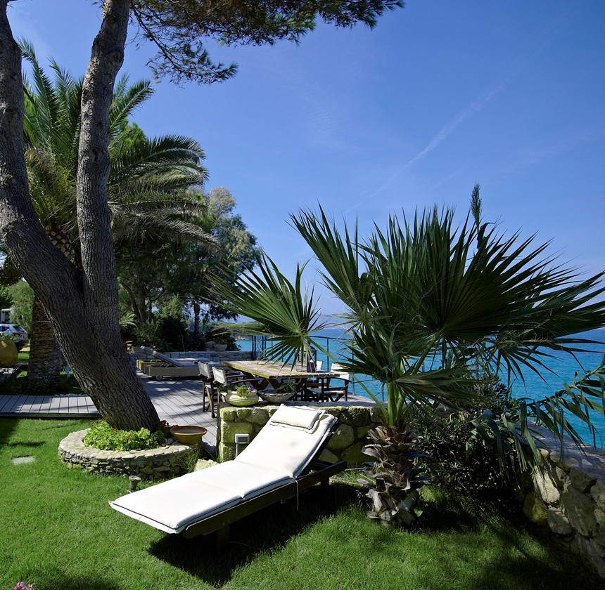 Paradisso Beach Villas